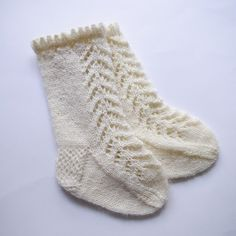 pattern for lacy knee-high baby socks Lacy baby socks knitting pattern Crochet Baby Socks, Baby Booties Knitting Pattern, Baby Knitting Patterns, Baby Patterns, Knitting Socks, Free Knitting, Stitch Patterns, Kids Knitting, Knitting Machine