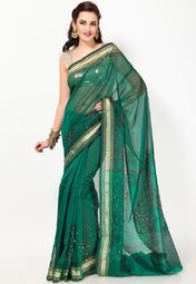 this gorgeous green saree from Bunkar will fetch you many a complimenting smile at any evening soiree. Apart from its enticing appeal, this saree also makes for a comfortable drape, courtesy its cotton blend fabric. This saree measures 6.3 m, including a 0.8 m blouse piece.