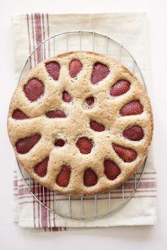 En Italia son fans de las tartas, ¡y nosotros también! ¿Qué tal una tarta italiana de fresas para el postre?