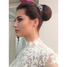 #jobs #noivas #bridal #bride #wedding #casamentos #makeup #maquiagem #novias #debutantes #mac #dior #chanel #luxury #chic #penteados #coques #hair #twist #jewels
