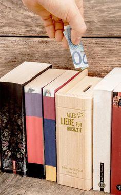 Gastgeschenke - Buch - Spardose mit Spruch Gravur zur Hochzeit - ein Designerstück von LPZ bei DaWanda