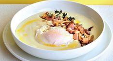 Huevo de gallina campera con setas, patatas, topinambur y frutos secos Egg Recipes, Healthy Recipes, Tasty, Yummy Food, Gazpacho, Egg Free, Healthy Life, Food To Make, Oatmeal