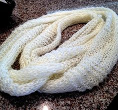 """Knit your Life: """"Tiffany Infinity Scarf"""" FREE pattern with written and picture instructions! Perfect for spring or cool summer days. This blog has many picture tutorials and cute ideas-- definitely worth a look!"""