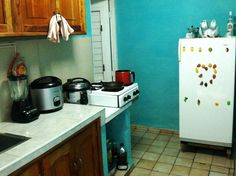 The kitchen of our apartment in Havana- 2011/2012 http://katieincuba.files.wordpress.com/2011/11/kitchen8.jpg