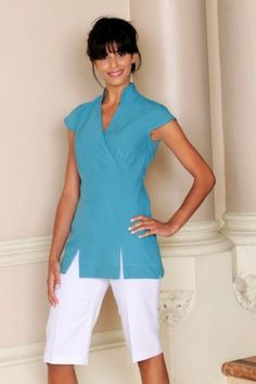 Reduced beauty tunic for beauty and spa therapist Spa Uniform, Hotel Uniform, Maid Uniform, Uniform Ideas, Beauty Tunics, M Beauty, Work Uniforms, Uniform Design, Salon Style