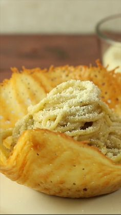 Parmesan Pasta Bowl Edible cheese bowls elevate any meal. Parmesan, Italian Dishes, Italian Recipes, Taco Salad Bowls, Pasta Recipes, Cooking Recipes, How To Cook Pasta, Pasta Dishes, Macaroni And Cheese