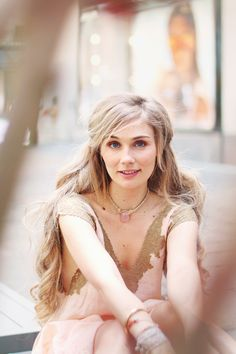 Clare Bowen Free People Interview (favorite style inspo from her Nashville character)