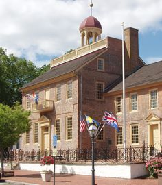 Experience things to do in Historic New Castle, Delaware including museums, house tours and Battery Park. New Castle Delaware, Delaware Usa, Delaware Attractions, Colonial, Brandywine Valley, Battery Park, Newcastle, Day Trips, House Tours