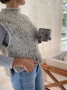 Sweater Knitting Patterns, Knit Patterns, Beginner Knitting Patterns, Knit Vest Pattern, Knit Poncho, Cardigans For Women, Knit Crochet, Sweaters, Costume