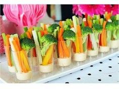 Instead of the traditional veggie tray! One of my favorite ideas for a baby or wedding shower. This appetizer was easy to eat and participate in party activities at the same time. They were a hit at the last shower I attended. Veggie Cups, Veggie Tray, Vegetable Cups, Veggie Bites, Veggie Display, Vegetable Snacks, Vegetable Ideas, Bridesmaid Luncheon, Bridal Luncheon