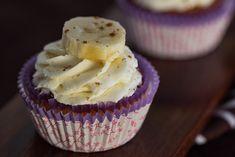 Вот сегодня, например, мы с вами будем делать ванильные капкейки. Уж очень давно у нас не было этих чудных пироженок.