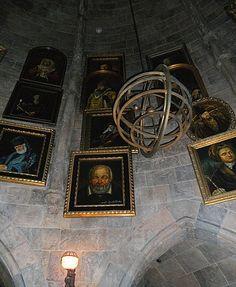 Talking paintings, Hogwarts Castle - Wizarding World of Harry Potter - Orlando, FL