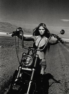 Harper's Bazaar US, January 1999 Photographer: Patrick DemarchelierModel: Carmen Kass