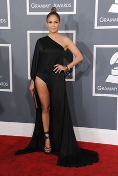 JLo en la alfombra roja de los Grammys