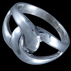 Silver ring, interweaving Silver ring, Ag 925/1000 - sterling silver. Two massive interweaving ovals.