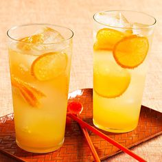 If you like clementines, you'll love these Fizzy Citrus Sodas | http://www.rachaelraymag.com/recipe/fizzy-citrus-sodas/