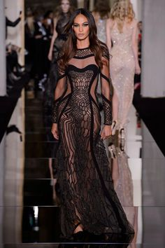 Atelier Versace Spring 2015 Couture Fashion Show Donatella Versace, Gianni Versace, Style Haute Couture, Couture Fashion, Runway Fashion, Couture 2015, Chanel Couture, Versace Fashion, Paris Fashion