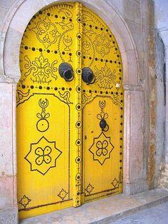 This door is in Tunis, Tunisia. Photo by TravelPod member Sianeth http://www.TravelPod.com