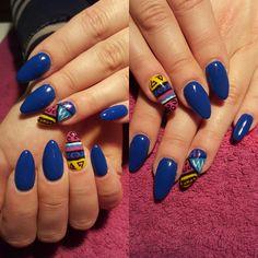 Blue nails art