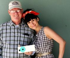 elsie and her dad making a pinhole camera... tutorial=amazing, I WANT TO DO THIS WITH MY DAD  AND MAKE A TUTORIAL!!