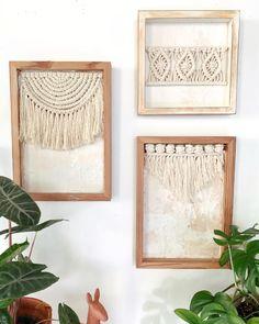 Macrame Wall Hanging Diy, Macrame Art, Macrame Design, Macrame Projects, Wooden Shadow Box, Deco Originale, Macrame Tutorial, Boho Diy, Macrame Patterns