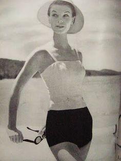 Fun in the Sun! 50s Inspired Fashion, 1950s Fashion, Vintage Fashion, Vintage Glamour, Vintage Lingerie, Beach Fun, Beach Party, Bathing Costumes, Dapper Day