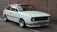 Techno, Classic Cars, Automobile, Vehicles, Felicia, Google, Nice Cars, Motor Car, Autos