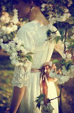 Garden wedding dress.... this is beautiful!