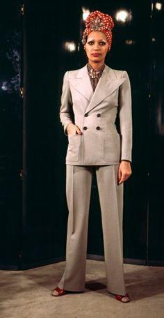 Yves Saint Laurent, 1971, dalla celebre colleizone dello scandalo