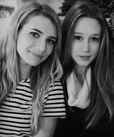 Taissa Farmiga Zoe from American Horror Story Coven and Emma Roberts as Madison Montgomery Harley Quinn, Pretty People, Beautiful People, Amazing People, Tate And Violet, Violet Ahs, Emma Roberts Style, Emma Roberts Ahs, Ahs Cast