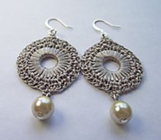 Tan_silk_crocheted_pearl_earring_rounds_4_small2