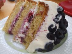 Leichte Kardamom-Blaubeer-Torte  http://nicoleschlemmt.blogspot.de/2014/09/kardamom-blaubeer-torte.html