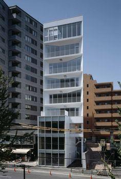 Ebi / yHa architects