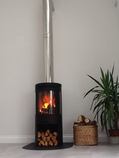 Contura 556:1 in Black supplied by Topstak. www.topstak.co.uk Stove Installation, Wood Burner, Modern Fireplace, Living Room Inspiration, Home Appliances, Traditional, Stoves, Contemporary, Interior Design