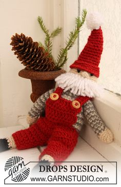 """Father Christmas - Crochet DROPS Christmas Santa Claus in """"Nepal."""" - Free pattern by DROPS Design"""
