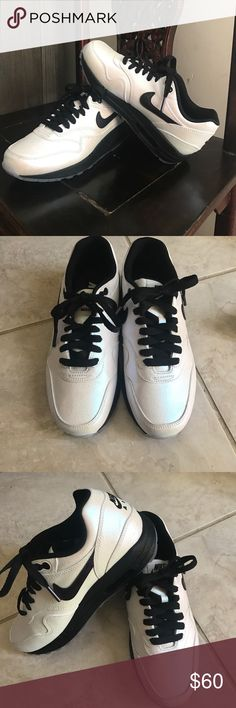 Women's NIKE AIR Max tennis shoe. Sz 6.5 Like new Women's NIKE AIR MAX tennis shoe sz 6.5. Really cool Iridescent/pearlized white. NIKEiD so I designed myself. Worn them only once on a recent vacation. Nike Shoes Sneakers
