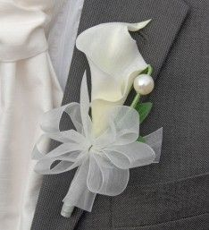 Artificial Calla Lily Grooms Buttonhole with Ivory Ribbon and Pearl with Baregrass Loop #groomsbuttonhole #callalily