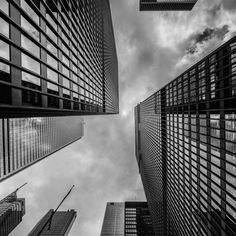 The best City Wallpaper and background you'll see and more, Check it out. Black And White Building, Black And White City, White Sky, Black And White Aesthetic, City Wallpaper, Wallpaper Decor, Black Wallpaper, Building Photography, Sky And Clouds