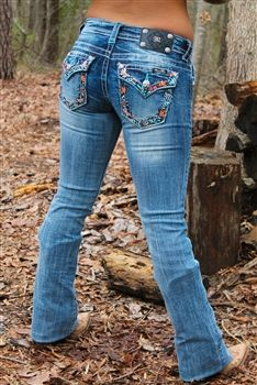 Miss Me Floral Embellished Bootcut Cowgirl Outfits, Cowgirl Style, Cute Country Girl, Country Style Outfits, Cute Jeans, Casual Jeans, Miss Me Jeans, Western Wear, Cowboys