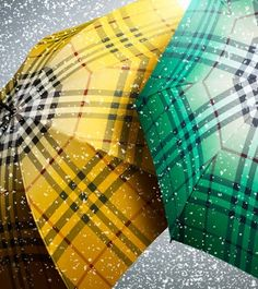 ☂  Oh yeah a Burberry umbrella...