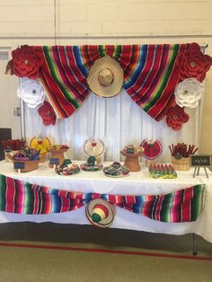 Quinceanera Party Planning – 5 Secrets For Having The Best Mexican Birthday Party Mexican Theme Baby Shower, Mexican Fiesta Birthday Party, Fiesta Theme Party, Taco Party, Party Themes, Mexico Party Theme, Party Ideas, Cowboy Theme Party, Fiesta Cake