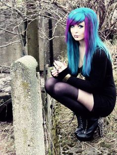 Scene Hair gorgeous turquoise blue and purple hair Cute Emo Girls, Hot Goth Girls, Goth Beauty, Dark Beauty, Pelo Emo, Emo Scene Hair, Goth Women, Alternative Hair, Scene Girls