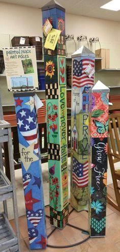 Wonderful Colorful Peace Poles Design Ideas For Your Garden 24 Garden Crafts, Garden Projects, Garden Ideas, Backyard Ideas, Wood Projects, Peace Pole, Low Maintenance Garden Design, Garden Poles, Pole Art