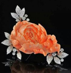 Bulgari vintage 1960 carved coral 18k gold and diamonds