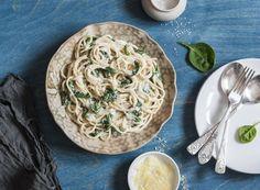 ¡No vas a poderte resistir a estos espaguetis con nata y espinacas! #espaguetis #espaguetisconnata #espaguetisconnatayespinacas #natayespinacas #recetasdepasta #gastronomiaitaliana