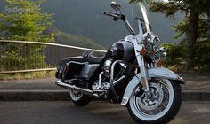 2015 Harley-Davidson Road King Harley Davidson Art, Classic Harley Davidson, Harley Davidson Touring, Harley Davidson Motorcycles, Road King Classic, Harley Davison, Aircraft Engine, Hot Bikes, Mopeds