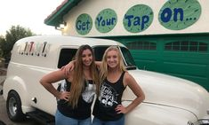 Tap Truck USA - Beer trucks for your next event Classic Trucks, Classic Cars, Bar On Wheels, Bar Catering, Mobile Bar, Next Wedding, Wedding Rentals, Old Trucks, Craft Beer