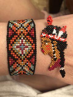 Native Beading Patterns, Beadwork Designs, Peyote Patterns, Beaded Earrings Native, Beaded Earrings Patterns, Bracelet Patterns, Bead Embroidery Jewelry, Beaded Embroidery, Embroidery Patterns