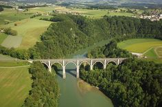The Sarine/Saane river in the canton of Fribourg is considered as the frontier between French- and German-speaking Switzerland (aerialswiss) Places In Switzerland, Golf Courses, Germany, Italy, River, French, World, Comme, Outdoor