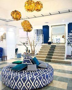 Bulle doxygène bulle dénergie bulle dair... Avec la mer en toile de fond la décoratrice @agence_annabelle_fesquet a mis en scène les différents espaces de lhôtel. Elle sest inspirée des ressources marines et végétales environnantes pour transformer @lesbullesdemer en un cocon à lesprit bohème chic.  .  LES BULLES DE MER  hôtel restaurant spa .  Saint Cyprien (66) ____ #lesbullesdemer #saintcyprien #stcyprien #saintcyprienbeach #decorinterior #interiordesign #hotel #spa #restaurant #travel… Bulle D Air, Hotel Restaurant, Decoration, Spa, Lounge, Furniture, Instagram, Home Decor, Backdrops
